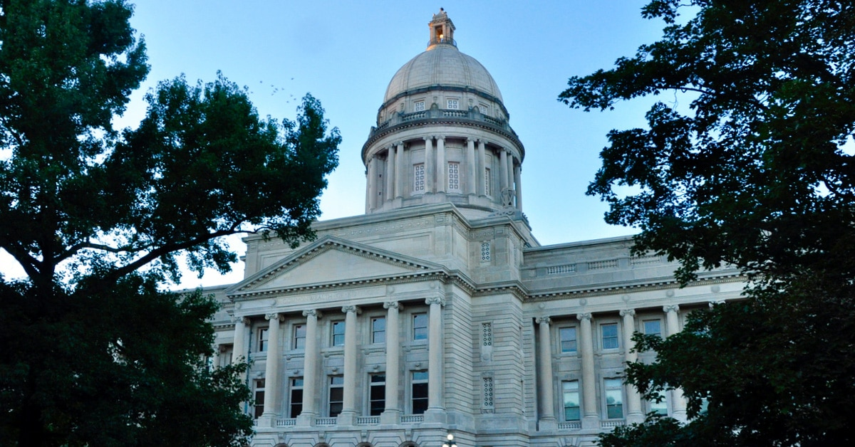 The south-east facade of the Kentucky State Capitol building located in Frankfort, Kentucky. (Creative Commons photo by Tedd Liggett)