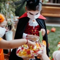 Simple safety tips for trick-or-treating after Fauci greenlighted Halloween2021